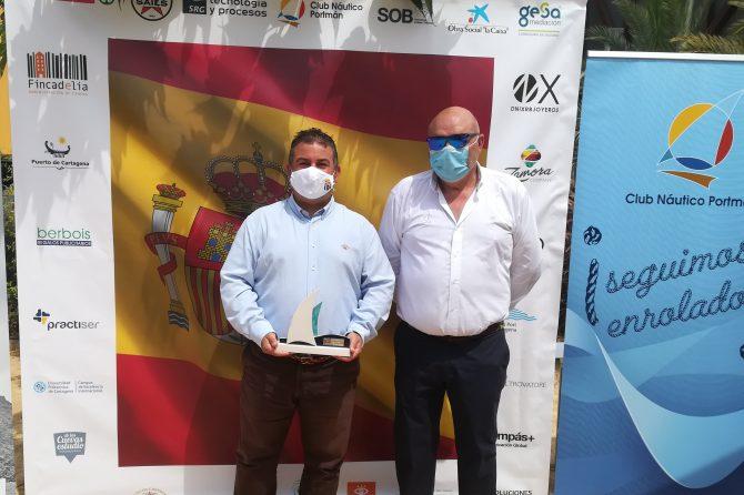 El Club Náutico de Portmán homenajea a los sanitarios y los cuerpos de seguridad